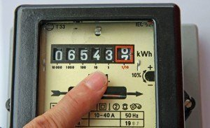 10 tips til at spare på elregningen