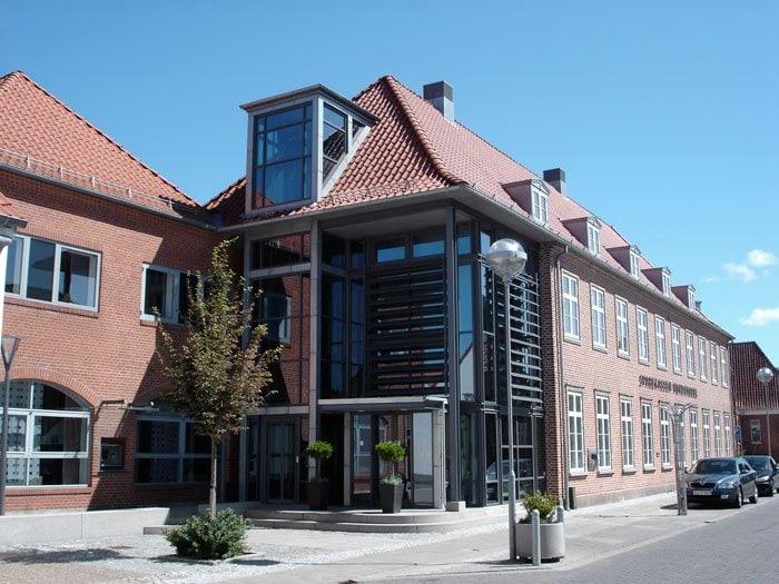 Sådan ser hovedkontoret ud for Sparekassen Vendsyssel