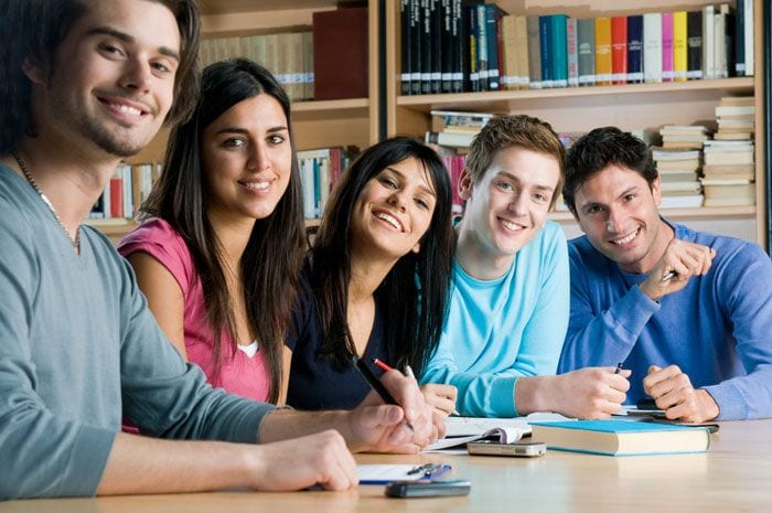 smiling-students-library