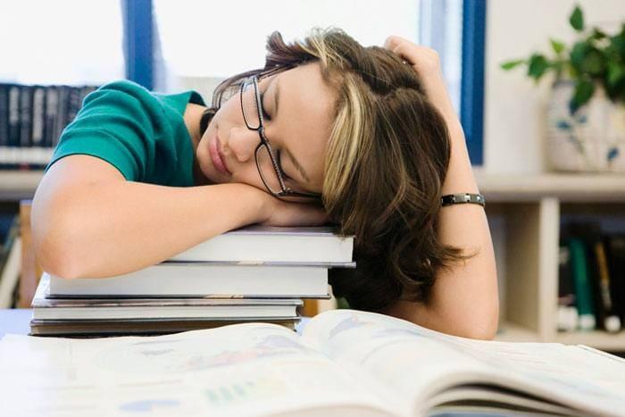 Sovende studerende