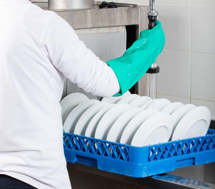 Bliv opvasker i en café eller restaurant