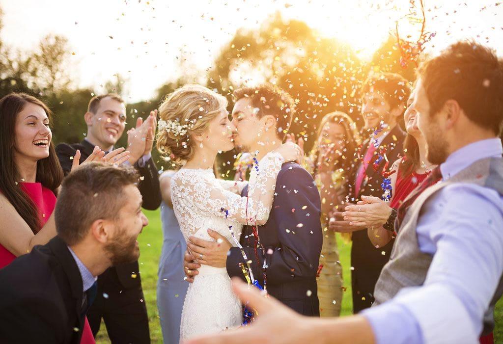 Lav et godt bryllupsbudget. Så kan du nyde dagen, og du undgår økonomiske bekymringer.