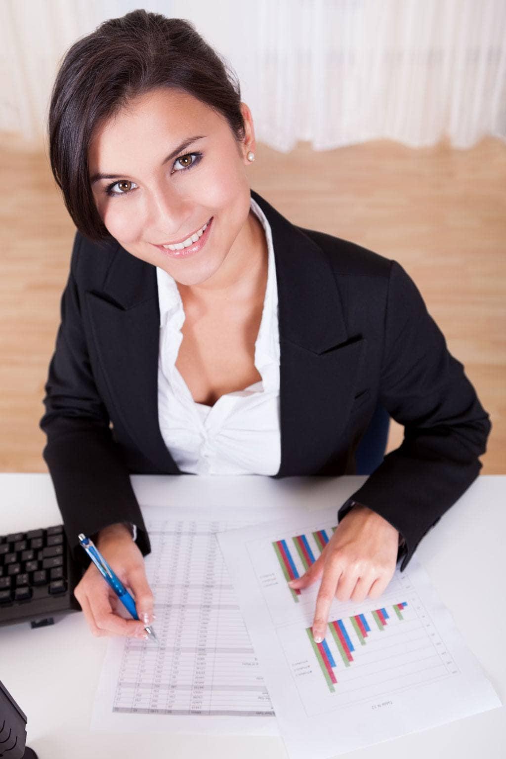 Brug vores budgetskemaer i toppen og gør dit budget til en leg. Det kan give dig økonomisk kontrol og ro i maven.
