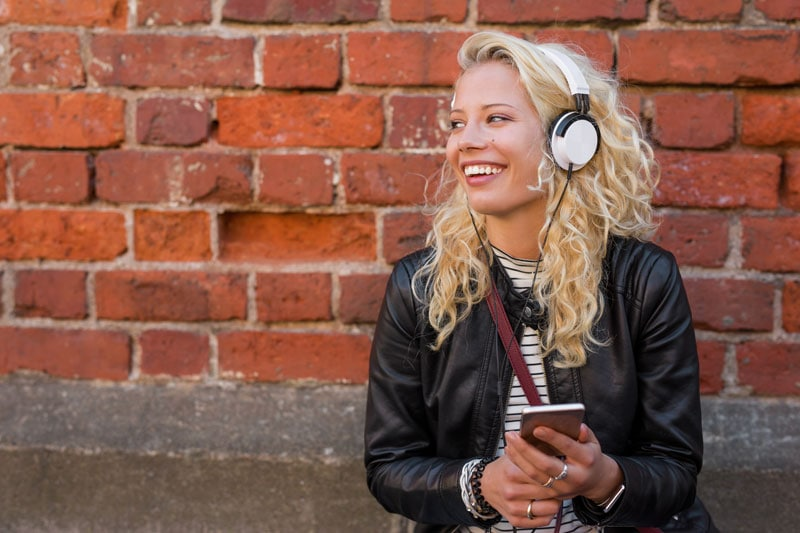 Læs mere om Musik streaming i denne guide.