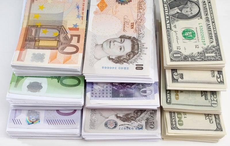 Hvad koster det at hæve og veksle penge i Danmark?